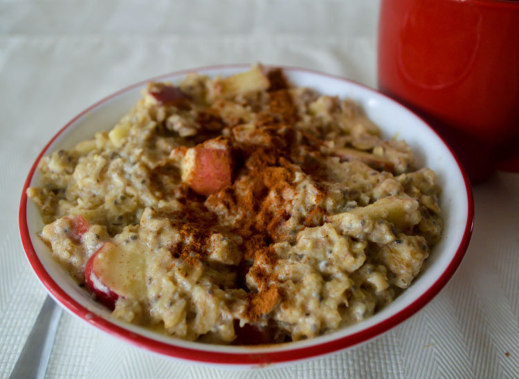 Apple Cinnamon Chia Oatmeal