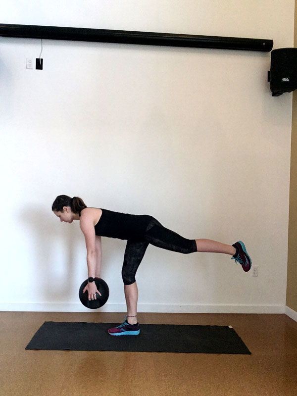 Build a Home Gym for Runners: Medicine Ball or Kettlebell